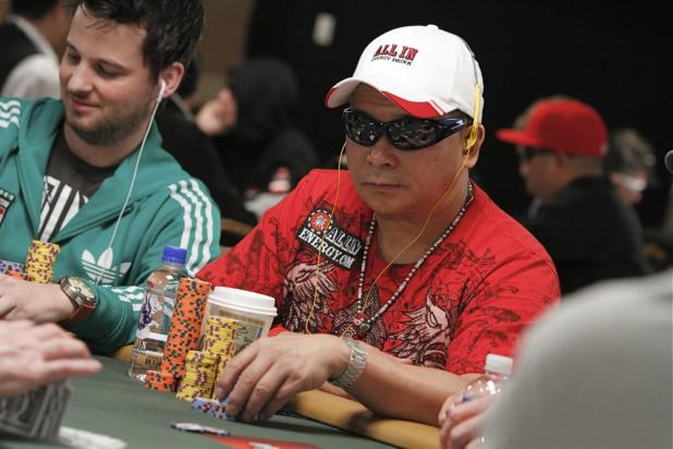 Johnny Chan Plays For the Lead