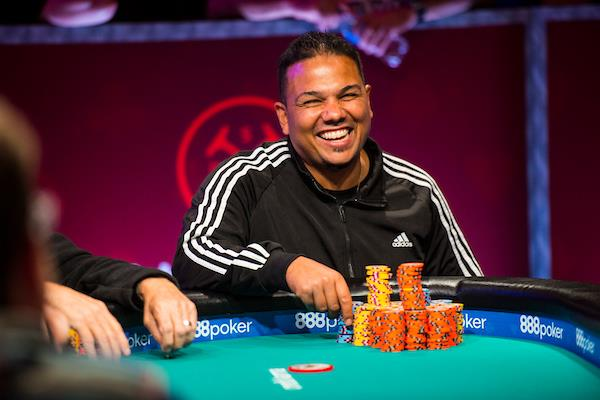 FRANKIE FLOWERS DAZZLES ON DAY 3 OF MAIN EVENT