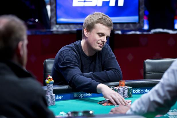 2016 WSOP MAIN EVENT CHAMPIONSHIP DOWN TO FINAL 27 PLAYERS