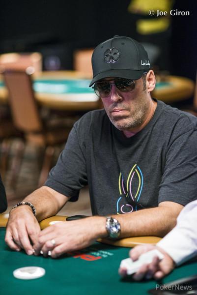 Poker giro orario o antiorario