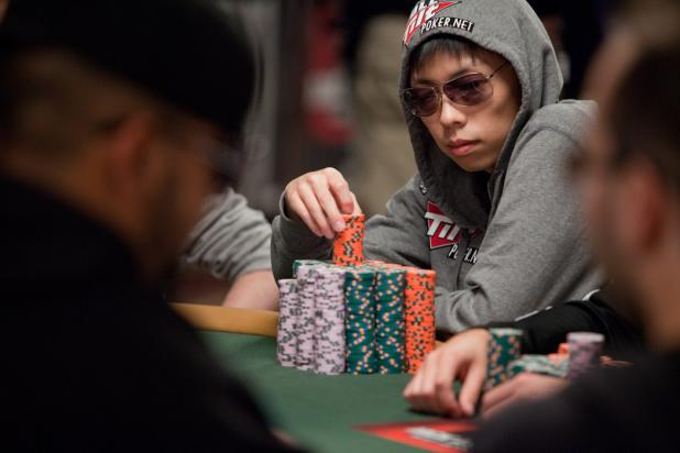 Article image for: EXCITEMENT BUILDS IN WSOP MAIN EVENT AS 27 PLAYERS REMAIN