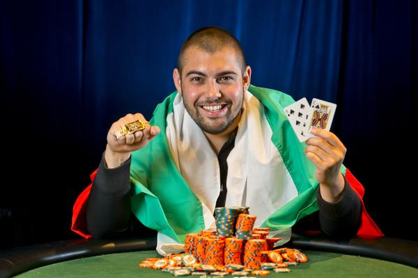 SIMEON NAYDENOV WINS GOLD BRACELET IN SHOOTOUT