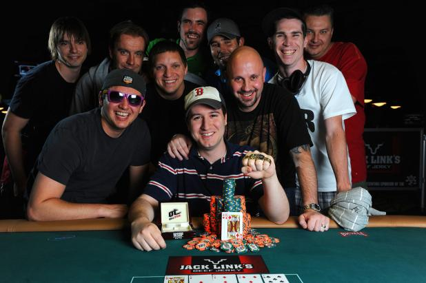 Article image for: THIS JUST-IN...JUSTIN PECHIE SEIZES WSOP GOLD BRACELET
