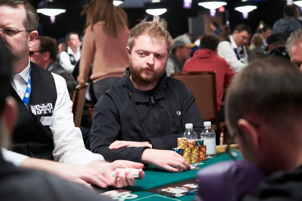 Article image for: WSOP MAIN EVENT DAY 1B: ADAM OWEN, ALLEN KESSLER BAG BIG