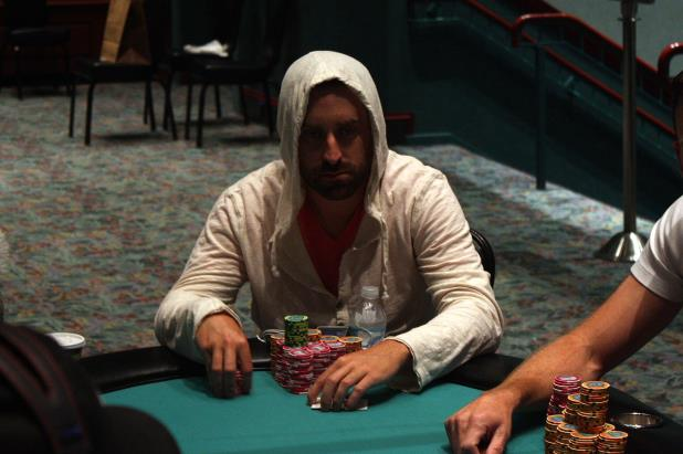 Article image for: BRYAN LESKOWITZ LEADS FOXWOODS MAIN EVENT ENTERING DAY 3