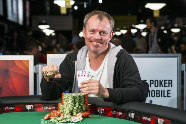 Article image for: VASILI FIRSAU WINS TOUGH PLO BATTLE, EARNS FIRST WSOP GOLD BRACELET