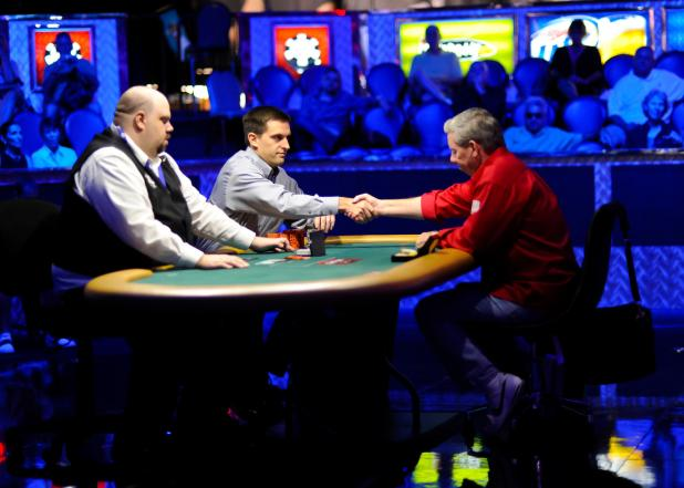 Article image for: CHRIS VIOX OUTDUELS MIKE SEXTON TO WIN WSOP EVENT 25