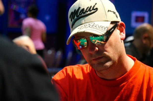 FOLLOW THE ACTION FROM THE HORSESHOE TUNICA MAIN EVENT