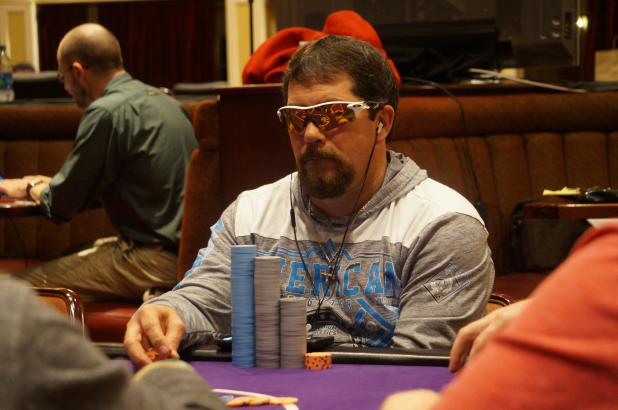Article image for: DARREN MARTIN LEADS FINAL 13 PLAYERS IN NOLA MAIN