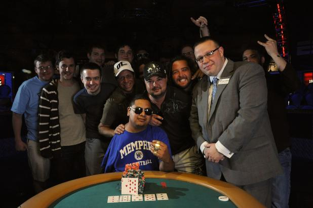 Article image for: DAVID DIAZ BEATS THE ODDS AGAIN, WINS GOLD BRACELET