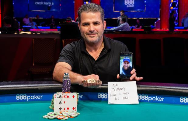 Article image for: FILIPPOS STAVRAKIS WINS GOLD IN EVENT #26 $1,500 POT-LIMIT OMAHA