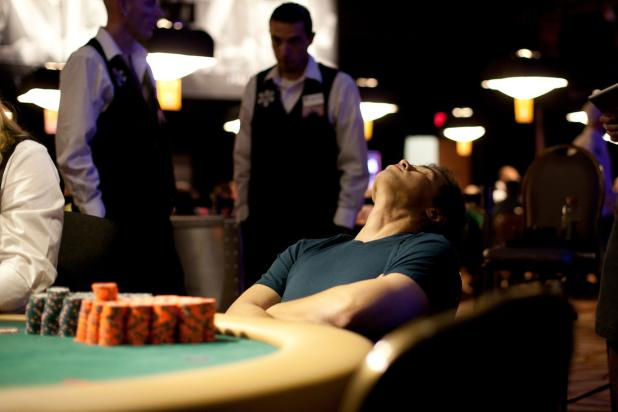 FOSTER HAYS ACCEPTS $18,385 PER HOUR TEMP JOB IN WINNING WSOP EVENT 18