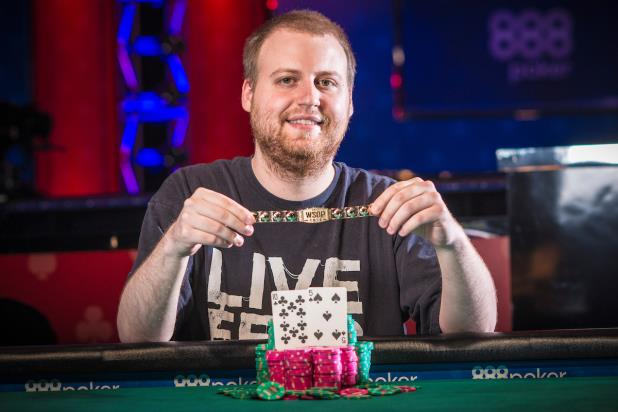 2015 MAIN EVENT WINNER JOE MCKEEHEN CLAIMS $10,000 LIMIT HOLD