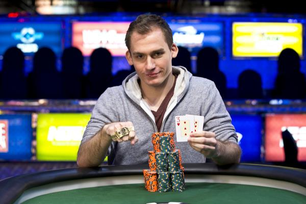 Article image for: JUSTIN BONOMO JOINS THE BRACELET WINNER'S CLUB