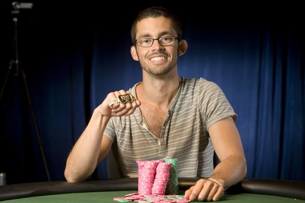 MIKE GORODINSKY WINS SPLIT-GAME TITLE
