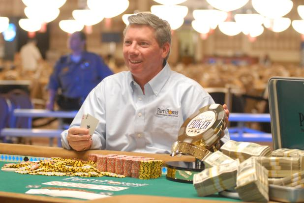MIKE SEXTON JOINS POKER HALL OF FAME