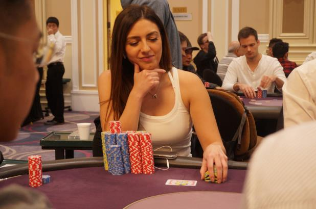 Article image for: KELLY MINKIN LEADS FINAL 14 AT THE BIKE MAIN EVENT