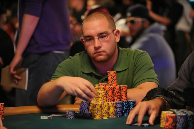 Article image for: EXCITEMENT BUILDS: DAY FOUR OF MAIN EVENT TO CRACK THE MONEY BUBBLE