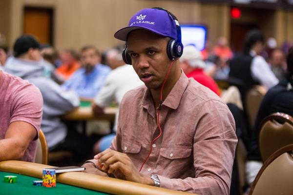 Article image for: RECORDS BROKEN, IVEY CRUSHING AND DAY 1 OF THE MAIN EVENT COMPLETE