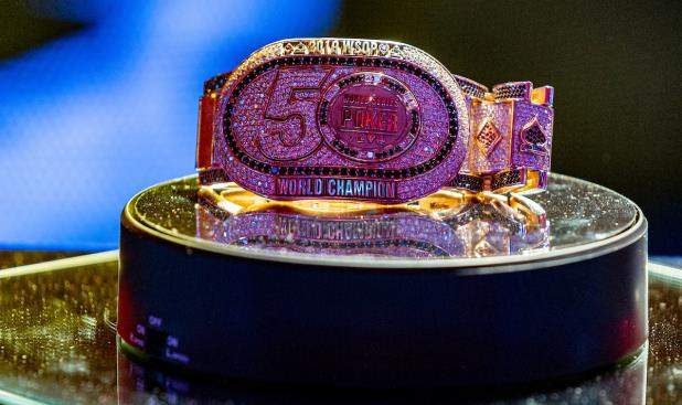 Article image for: HOSSEIN ENSAN LEADS AFTER FIRST DAY OF 2019 WSOP MAIN EVENT FINAL TABLE