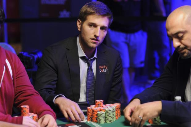 Article image for: TONY DUNST WINS WSOP GOLD BRACELET IN $1K NLHE