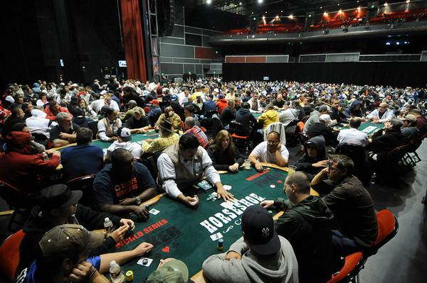 WSOP CIRCUIT IN CHICAGO SMASHES ATTENDANCE RECORD