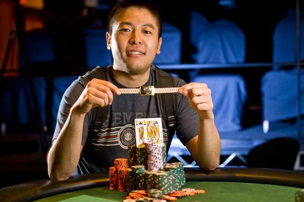 Article image for: BRIAN YOON WINS FIRST FIRST GOLD BRACELET