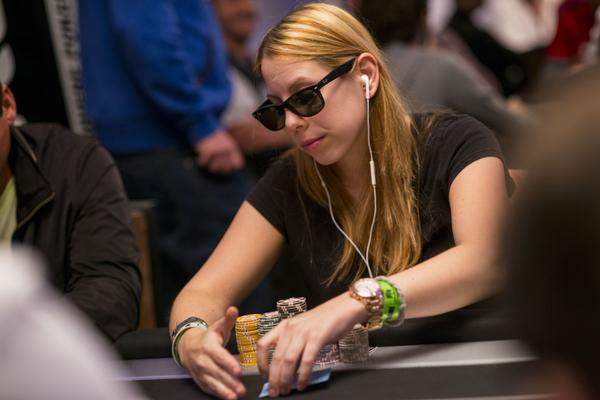 LONI HARWOOD KEEPS POY RACE INTERESTING ON MAIN EVENT DAY 1B