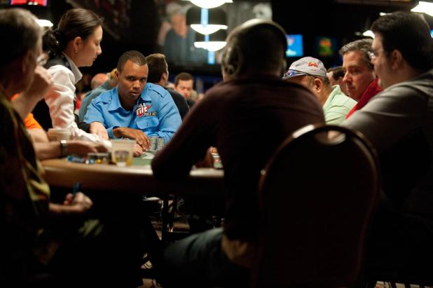 Phil Ivey Takes on Day 2 of $1,500 Omaha Hi-Lo