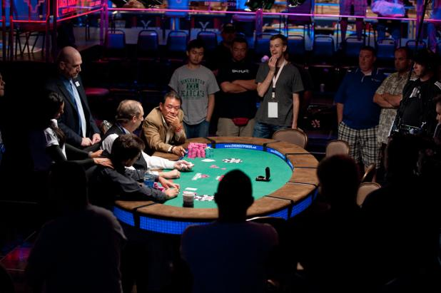 An Intimate Final Table Atmosphere