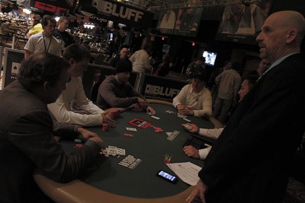Blackout and a Dimly-Lit Razz Final Table