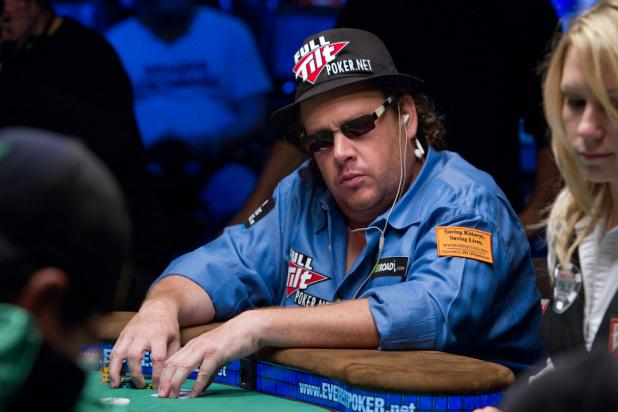 Gavin Smith Plays His First Main Event With a Bracelet