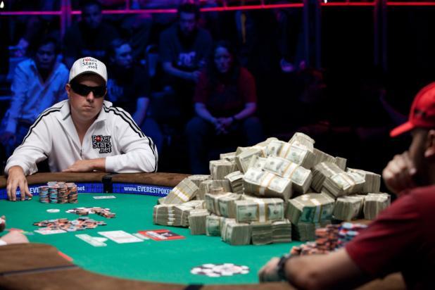 Banker Shocks the Pros: Vladimir Schmelev
