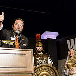 WSOP Executive Director Ty Stewart greets the players in Event 5 The Colossus