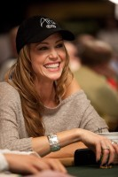 Shannon Elizabeth all smiles during Event 17