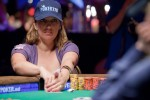 Vanessa Hellebuyck heads up in the Ladies Event