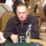 Dewey Tomko in action on Day 1A of the $1k